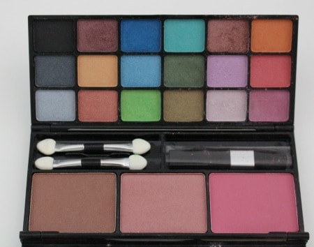 Eye Shadow and Blush Colors in all natural L'BRI makeup case