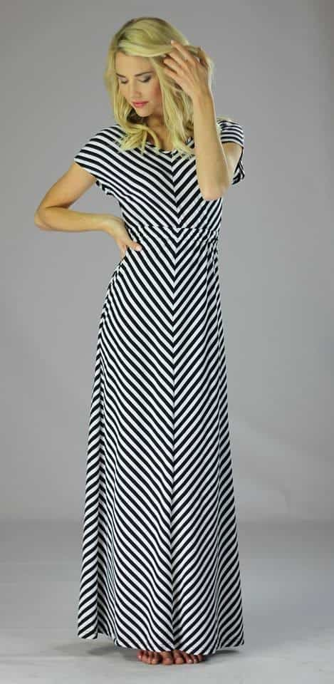 One Day Sale! 30% off our Maxi Dress!   themodestmomblog.com