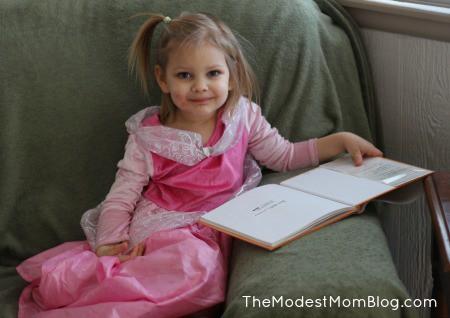Raising Modest girls | themodestmomblog.com