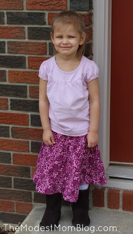 Modest skirt and shirt | themodestmomblog.com