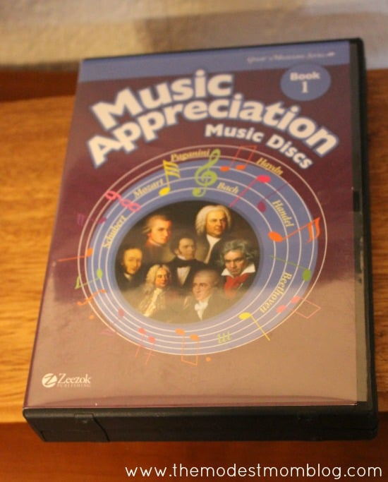 Music CD's that go along with the Zeezok curriculum  | themodestmomblog.com