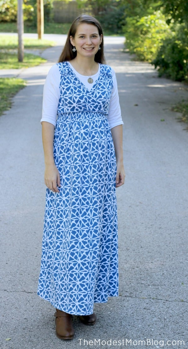 I love this long blue maxi dress! It is really comfortable during pregnancy, and looks cute!