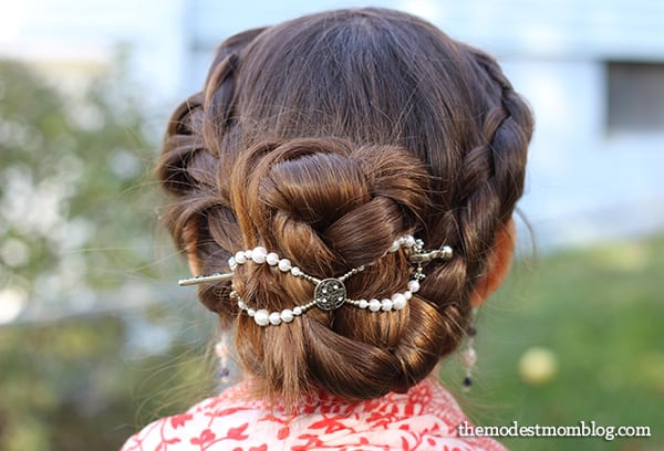 Tree of Life flex clip is an easy way to style a braided hairstyle!