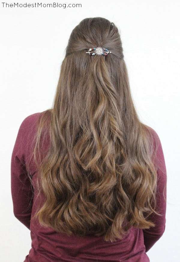 Curled in loose waves and pulled back with an x-small flexi clip from Lilla Rose