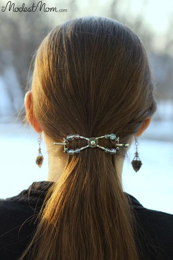 Medium size flexi clip for a ponytail